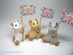 Keep Calm and Carry On Mouse Ornament Sculpture Cake Topper Sold Individually. £15.00, via Etsy.