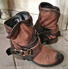 "Pakros distressed brown nubuk ""Low"" motorcycle boots straps & snaps NWOT 36"