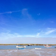 Burnham Overy Staithe, there is something so peaceful about this place, surrounded by lots of fresh sea air! Book your dog and child friendly holiday in North Norfolk now - link in bio