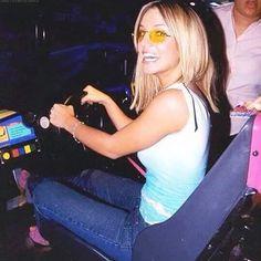 #BritneySpears #britneyarmyfr  Petit soucis avec le site e la page facebook les news continuent sur #instagram http://ift.tt/2asU5iL