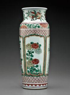 A wucai sleeve vase, Shunzhi period, circa 1645-1660.