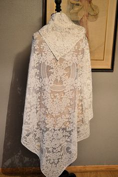 Antique silk Calais lace wedding shawl by Feemainvintagestyle