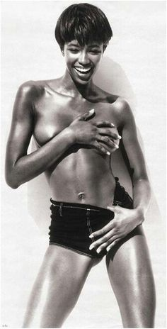 Photo by Herb Ritts - Model: Naomi Campbell, 1989. °