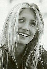 Caroline Bessette Kennedy - married to John F. Kennedy, Jr.  R.I.P. - She had fabulous style. she looks alot like gwynnie here. wierd, i hear she was not very nice to people, dunno, good source but she looks sweet maybe she wasnt into the media thing. poor thing.