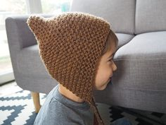 "for my fairly youngsters, however not solely …: The tutorial of the ""pixie hat"" or little pointy crush on Félix Baby Hats Knitting, Knitting For Kids, Knitting Stitches, Knitted Hats, Crochet Mittens, Knit Crochet, Crochet Hats, Pixie, Tricot Baby"