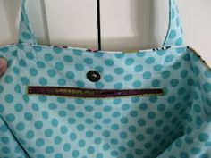 How to insert a zipper inside a bag.....great pics on how to install