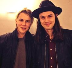 Tom Odell & James Bay ♥ Tom Odell Girlfriend, Tom Peters, Beautiful Lyrics, Piano Man, Best Vibrators, Music Icon, Music Love, No One Loves Me, Rock And Roll