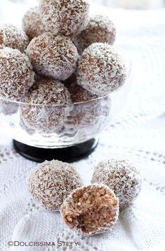 Tartufi alla Nutella e Cocco senza cottura Nutella Recipes, Chocolate Recipes, Pie Dessert, Dessert Recipes, Easy Sweets, Xmas Food, Great Desserts, Snack, Italian Recipes