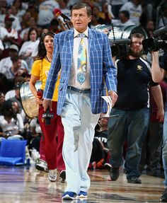 Craig Sager looks on during Game Two of the Eastern Conference First Round between the Cleveland Cavaliers and Detroit Pistons on April 20, 2016 at Quicken Loans Arena in Cleveland.