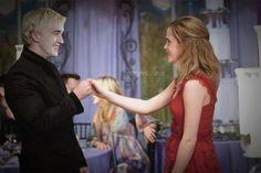 Drago et Hermione au mariage de Bill et Fleur