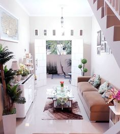 [New] The Best Home Decor (with Pictures) These are the 10 best home decor today. According to home decor experts, the 10 all-time best home decor. Home Room Design, Dream Home Design, Interior Design Living Room, Living Room Designs, Living Room Decor, Dm Foto, Minimal House Design, Diy Rangement, Space Interiors