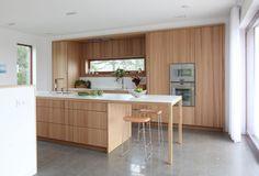 Innovation - Kvänum - - Innovation - K. Kitchen Interior, New Kitchen, Kitchen Dining, Kitchen Ideas, Kitchen Wood, Scandinavian Kitchen, Minimalist Kitchen, Beautiful Space, Innovation