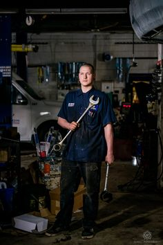 Commercial portraits mechanic for eBay