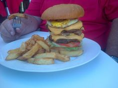 who is brave enough to take a chance on this jummy burger and chips combo. Burger And Chips, Hamburger, Brave, Ethnic Recipes, Food, Burger And Fries, Eten, Hamburgers, Meals