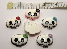 Skull colored flower rhinestone resin flatback