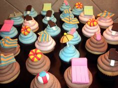 Cupcakes for pool party