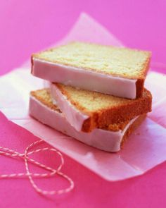 Pound Cake // Glazed Lemon Pound Cake Recipe