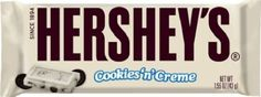 Hershey's Cookies 'n' Creme 1993 The fan-favorite combines two incredible flavors into one cookie bar. White chocolate surrounding tiny cookie bits is a combination even the healthiest eaters can't resist. Bulk Chocolate, Hershey Chocolate Bar, Chocolate Delight, Chocolate Sweets, White Chocolate, Best Candy, Favorite Candy, Hershey's Cookies N Cream, Xmas