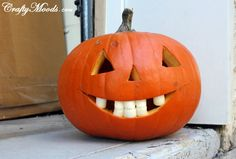 Crafty Moods - Free craft and lifestyle projects resource for all ages: FUNNY Marshmallow Teeth Jacko-Lanterns