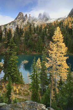 Blue Lake. Roundtrip: 4.4 Miles; Elevation Gain: 1050 Ft.
