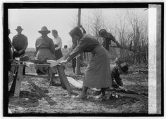 National Women's Defense League, World War I. National Photo Company Collection. Library of Congress Prints and Photographs Division.