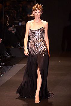 Gianfranco Ferré Fall 2001 Ready-to-Wear Fashion Show - Stella Tennant, Gianfranco Ferré