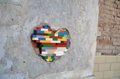 Jan Vormann - an German artist who travels the world repairing cracks with Lego. Pablo Picasso, Inspiration For Kids, Lego Brick, Edible Art, Chalk Art, Land Art, Street Artists, Public Art, Urban Art