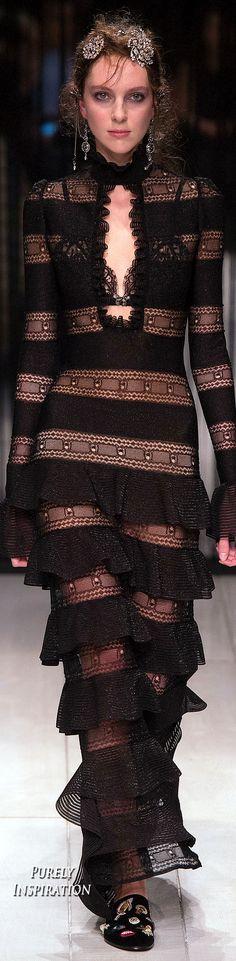 Alexander McQueen FW2016 Women's Fashion RTW | Purely Inspiration
