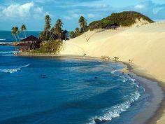 (Praia de Genipabu em Natal - Rio Grande do Norte) Rio Grande Do Norte, Beautiful Places To Visit, Wonderful Places, Places Around The World, Around The Worlds, Closer To Nature, Coast, Ocean, Landscape