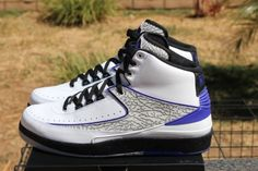 air jordan 2 dark concord available early on ebay 02 570x380 Air Jordan 2 Dark Concord   Available Early on eBay