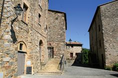 Walking in Castelnuovo Val di Cecina - Tuscany Tuscany, Barcelona Cathedral, Walking, Building, Travel, Viajes, Buildings, Tuscany Italy, Walks