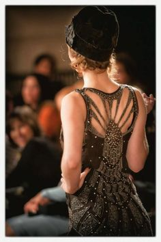 STUNNING - Authentic 1920's Art Deco dress... (at Lorraine O'Neal's Vintage Fashion Show). Channel this look into jewelry --> http://www.sweetromanceonline.com/Art_Deco_Jewelry_s/40.htm