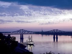 Amazing scenery along the river from the oldest city, founded in 1716, Natches, Mississippi