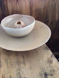 """Beige"" Ceramic bowls by Yuji Ueda.   「ベージュ」 陶芸ボウル、上田勇児。#pragmata"