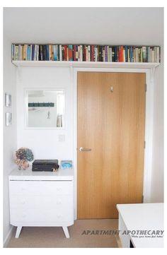 Book Storage Small Space, Space Saving Shelves, Small Space Bedroom, Small Rooms, Storage Spaces, Dvd Storage, Bookshelves For Small Spaces, Makeup Storage, Storage Room