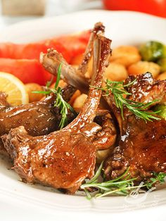 Lamb ribs in red wine Seafood Recipes, Chicken Recipes, Cooking Recipes, Italian Dishes, Italian Recipes, Tuscan Bean Soup, Queens Food, Lamb Ribs, No Cook Meals