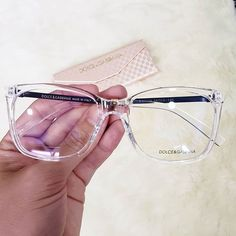 Round Face Glasses Frames, Clear Glasses Frames Women, Cute Glasses Frames, Eyeglasses Frames For Women, Classic Glasses, Lunette Style, Eyewear Trends, Fashion Eye Glasses, Outfit