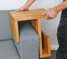 Diy Furniture Projects, Woodworking Projects Diy, Diy Wood Projects, Pallet Furniture, Furniture Makeover, Furniture Design, Diy Sofa, Wooden Crafts, Wooden Diy