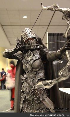 Not really that familiar with Skyrim, but this is an amazing cosplay! (Skyrim Warrior from Fan Expo Skyrim Cosplay, Cosplay Anime, Epic Cosplay, Amazing Cosplay, Cosplay Girls, Skyrim Costume, Cosplay Armor, Avatar Cosplay, Top Cosplay