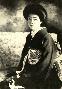 Shimazu Tadayoshi's daughter Tameko.   Shimazu Tadayoshi (1840-1897) was a feudal lord of the Satsuma feudal clan.