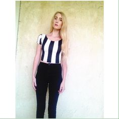 Forever 21 black and white striped crop top Forever 21 black and white striped crop top Forever 21 Tops Crop Tops