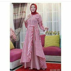 Muslim Dress with Hijab. Hijab Skirt, Hijab Abaya, Batik Fashion, Abaya Fashion, Fashion Dresses, Gaun Dress, Hijab Wedding, Moslem Fashion, Muslim Dress