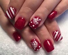 Are you looking for some Christmas Nail Inspiration? We have 53 Christmas Nail Art Designs That Will Definitely Inspire You! Christmas Gel Nails, Christmas Nail Art Designs, Winter Nail Designs, Holiday Nails, Red Nail Art, Red Nails, Hair And Nails, Perfect Nails, Gorgeous Nails