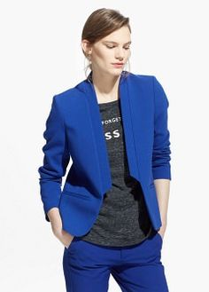 Inverted lapels blazer