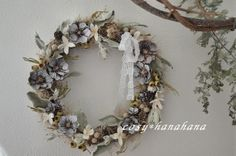リース「snow flower」 Snow Flower, Dried Flowers, Grapevine Wreath, Grape Vines, Flower Arrangements, The Creator, Floral Wreath, Wreaths, Creema