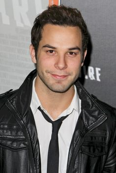 Skylar Astin. Yes a man who can sing and is good looking!