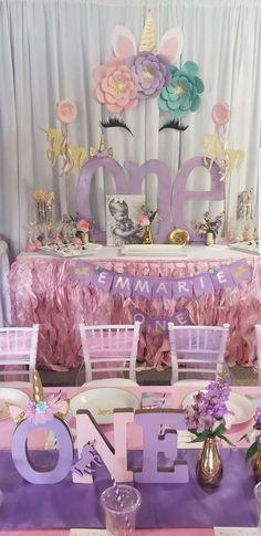 Unicorn Birthday Party Ideas in 2019 1st Birthday Party For Girls, Unicorn Themed Birthday Party, Girl Birthday Themes, Unicorn Party, Birthday Ideas, Paris Birthday, Spa Birthday, Unicorn Baby Shower Decorations, 1st Birthday Decorations