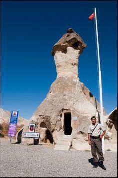 Cappadocia i Tyrkia har alt: underjordiske byer, rikt utsmykkede grottekirker og utrolige steinformasjoner.