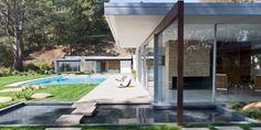 Richard Neutra Singleton Residence garden pond view