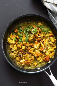 Spiced Cauliflower and Tofu in Green Masala Sauce. Baked Cauliflower and Tofu in green cilantro sauce. The sauce paste can be made ahead and stored. #Vegan #Glutenfree #Nutfree #Recipe #veganricha. Can be soy-free with chickpea tofu or chickpeas or beans or other veggies. | VeganRicha.com